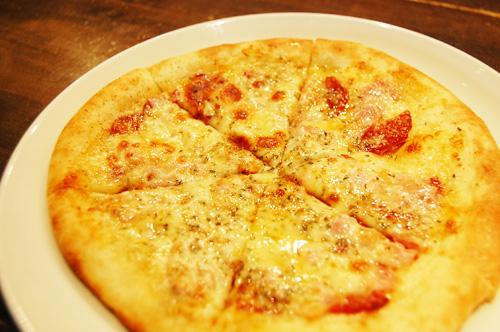 サルサソースのピリ辛ピッツァ
